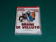 Mani di velluto Regia di Franco Castellano, Pipolo, Giuseppe Moccia