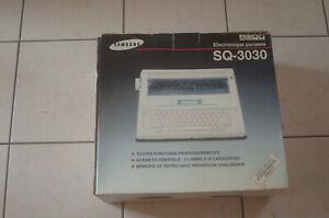 machine à écrire SQ3030 électronique dans son carton d'origine