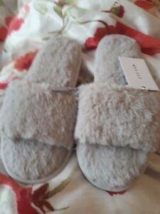 Jigsaw Edie Faux Fur Grey Slippers Sliders Size Medium 5-6 Rrp £39