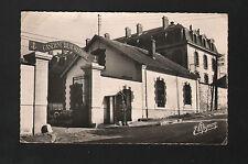 COULOMMIERS (77) CASERNE BEAUREPAIRE , animé en 1950