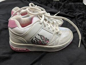 HEELYS GIRLS WHITE SHOES SIZE 1 FAUX LEATHER HAS ONLY 1 WHEEL