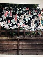 Shorts With Lace Trim Black S/M