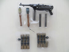 DRAGON 1/6 SCALE MP40/II DOUBLE MAGAZINE MACHINE PISTOL GUN + AMMO POUCHES