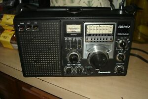 Panasonic 8 BAND FM/AM/SW1-6 RF-2200 SHORT WAVE DOUBLE SUPERHETEODYNE RADIOWORKS