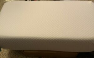 Pillow Cube Pro 12x24- 6 in. Thick- PREOWNED- NO PILLOWCASE