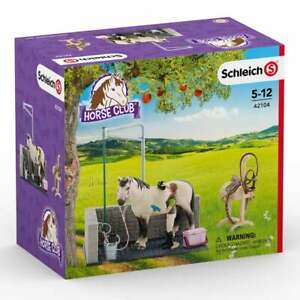 Schleich World of Nature Farm Life Horse Wash Area with Accessories inc Saddle