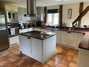 Complete Kitchen with Solid Timber Shaker Doors Painted In Farrow & Ball