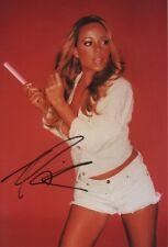 Mariah Carey Autogramm signed 20x30 cm Bild
