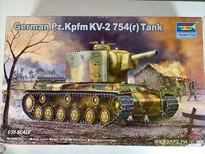 Trumpeter 1/35 German 00367 Pz.Kpfm KV-2 754(r); started/ complete