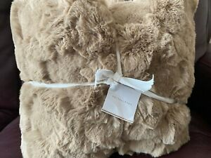 Pottery Barn Ivory Ruched Faux Fur Throw 50 X 60 Crackle Latte NEW READ