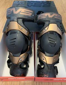 EVS Sports Axis Pro Carbon Fiber Knee Brace Medium Pair New In Box - Motocross