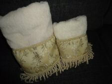 VINTAGE LUXE VALERIE WISTERIA GOLD GREEN CREAM FRINGED (2PC) TOWEL  SET