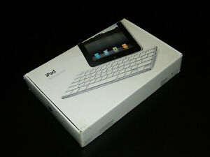 Apple Model A1359 Keyboard Docking Station Keyboard Mint