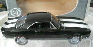 CAMARO 1967 CHEVY Z28 BLACK & WHITE 1/18 DIECAST CAR AMERICAN MUSCLE AUTHENTICS