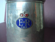 1953 QUEEN ELIZABETH II CORONATION PEWTER TANKARD WITH GLASS PORTRAIT BASE