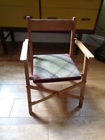 RARE VINTAGE FOLDING MUSICAL WOODEN CHAIR SWISS MOVEMENT THORENS  TEDDY /DOLLS