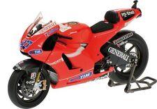 1:12 Minichamps Ducati Desmosedici Casey Stoner 2010 Moto GP 122100027 - NEW!!
