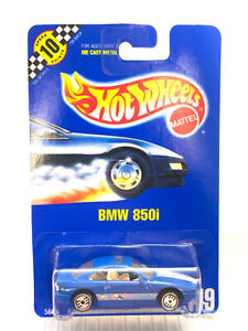 1990 Hot Wheels BMW 850i #149 Blue Card Die Cast 5667