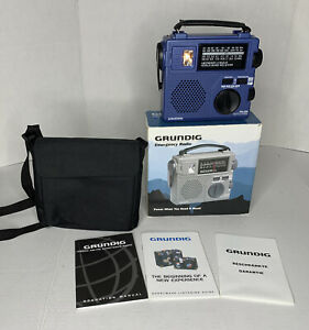 Grundig Emergency AM/FM Short Wave Radio FR200 Blue With Carrying Case Tested