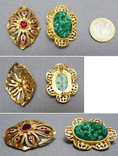 Lot 2  Broche métal doré + strass + pierre verte