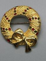 Christmas Brooch Wreath Gold Tone Enamel Gift Pin Vintage