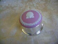 WEDGWOOD PINK JASPERWARE AND SILVERPLATE ROUND TRINKET BOX WITH SEASHELL DESIGN