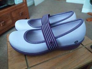 Ladies Crocs mary jane Shoes Size Uk5. Lilac/Purple Colour