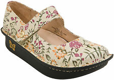 Women's 100% Leather Flats in Floral Pattern