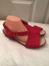 Earthies Red Razzoli Sandals Size 8.5 Comfort
