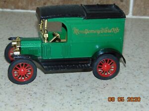 Ertl Diecast Metal 1913 Ford Model T Van Bank/Key MONTGOMERY WARD & CO, Mint Con