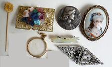 Lot bijoux anciens pendentif boucle  jean d'arc porte photo miniature epingle