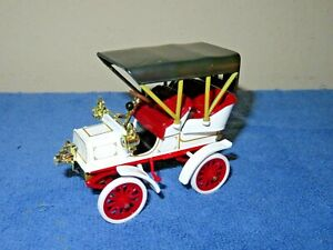 1904 CADILLAC MODEL B WHITE 1:32 SCALE NATIONAL MUSEUM MOTOR MINT