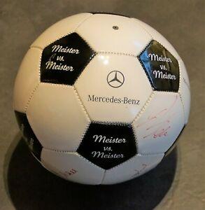 FUßBALL: MEISTER VS.MEISTER-MERCEDES BENZ DFB ALLSTARS- mit Ori.-Unterschriften