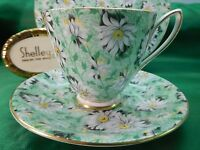 SHELLEY  GREEN DAISY  CHINTZ  CARLISLE  SHAPE  CUP, SAUCER & PLATE -  GOLD TRIM