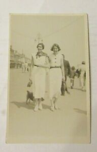 Unknown Ladies. Lowestoft 1934. Claremont Photographic Stores. Dresses.Handbag.