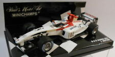 Voitures de courses miniatures rouge 1:43 sur Jenson Button