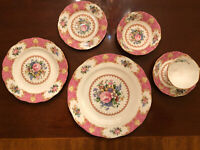 ROYAL ALBERT LADY CARLYLE DESIGN BONE CHINA SIX (6) PIECE PLACE SETTINGS C1944