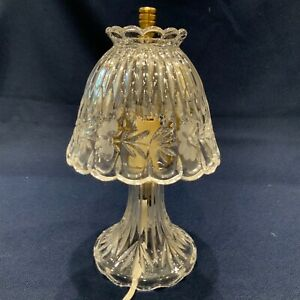 """VINTAGE FLORAL PATTERN CUT CRYSTAL GLASS BASE SHADE LAMP ACCENT TABLE 10""""x 5.5"""""""