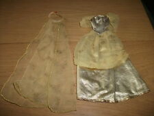 BARBIE / PETRA - Kleidung 80/90 années (lot 136)