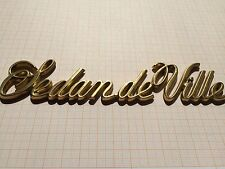 Cadillac Sedan de Ville Schrift goldfarbig Kofferraum Emblem Sign Trunk Ornament