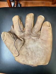 Antique 1910's Spalding cream color full web baseball glove