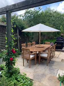 TEAK GARDEN FURNITURE 8 SEATER EXTENDING DINING SET WITH STACKING CHAIRS
