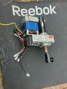 REEBOK GT40S TREADMILL GT30  INCLINE MOTOR MODEL-GH56 2300 rpm with bolts