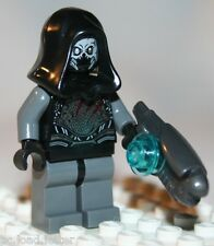 Lego THE SAKAARAN MINIFIGURE from Super Heroes Starblaster Showdown (76019)