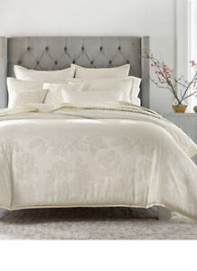 Hotel Collection Classic Hydrangea White Jacquard Full/Queen Duvet Cover Only