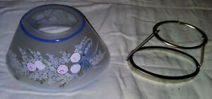 Colonial - Shade Oblong Glass Pink Roses w/ Blue Ribbons w/Metal Shade Stand