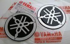 2 x YAMAHA 100% ORIGINAL 50mm Diapason noir/argent autocollant emblème BADGE