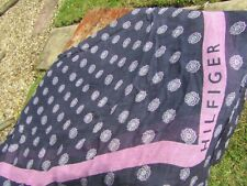 Tommy Hilfiger Navy & Pink Circle Floral Patterned Scarf