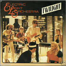 "ELECTRIC LIGHT ORCHESTRA TWILIGHT JULIE DON'T LIVE HERE 1981 7"" JEFF LYNNE ELO"