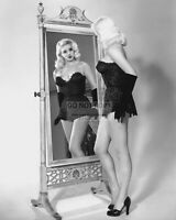 DIANA DORS ENGLISH ACTRESS AND BLONDE BOMBSHELL - 8X10 PUBLICITY PHOTO (DD690)